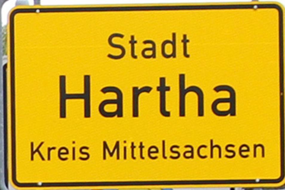 Die Stadt Hartha weist auf die Sperrung der Wallbacher Straße hin.