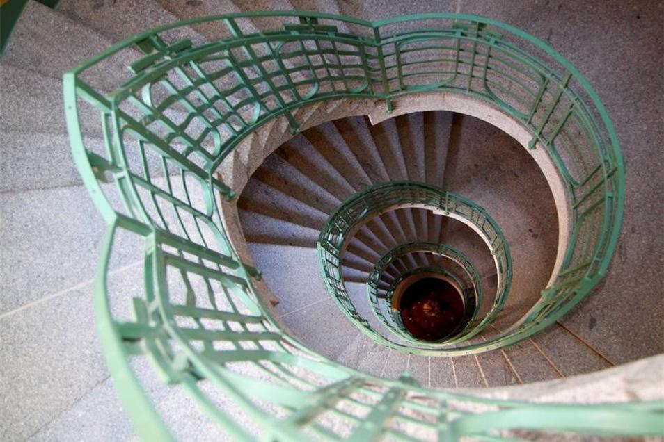 Das ovale Treppenhaus ist ein Kleinod.