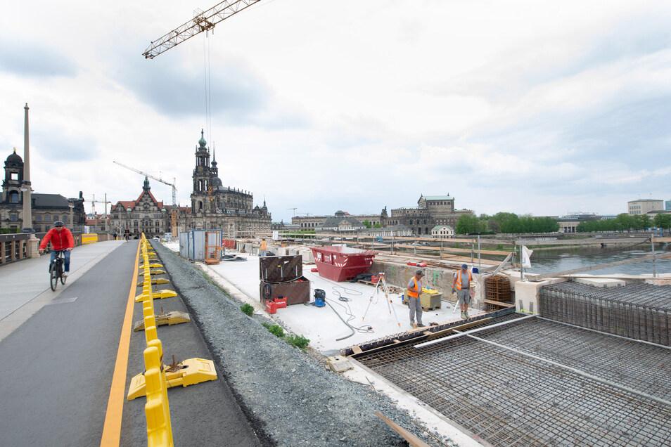 Die Arbeiten an der Dresdner Augustusbrücke gehen weiter.