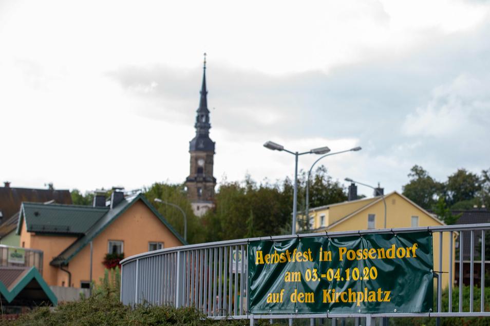Die Plakate für den Herbstmarkt hängen bereits an verschiedenen Standorten in Possendorf.