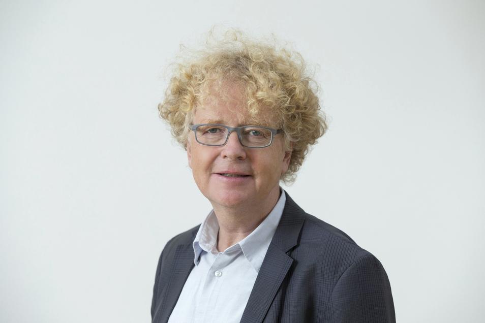 Der Theologe Andreas Lob-Hüdepohl lehrt an der Katholischen Hochschule für Sozialwesen Berlin. Zudem gehört er dem Deutschen Ethikrat an. Dessen Mitglieder werden vom Präsidenten des Deutschen Bundestages ernannt.