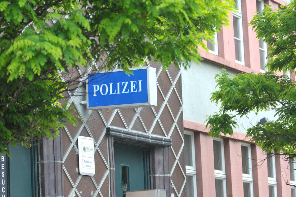 Ein Polizist, der zur Tatzeit im Polizeirevier Meißen beschäftigt war, saß am Dienstag auf der Anklagebank.