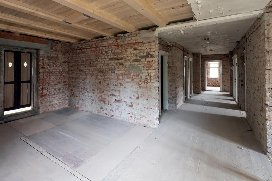 Das Haus ist theoretisch bereit für den Innenausbau. Bevor der beginnen kann, wird ein Nutzungskonzept erstellt, dass sich an den Räumlichkeiten orientiert. Die Zimmer im Haus Felsengrund sind teilweise keine acht Quadratmeter groß. Darin haben früher Diakonissinnen gelebt.