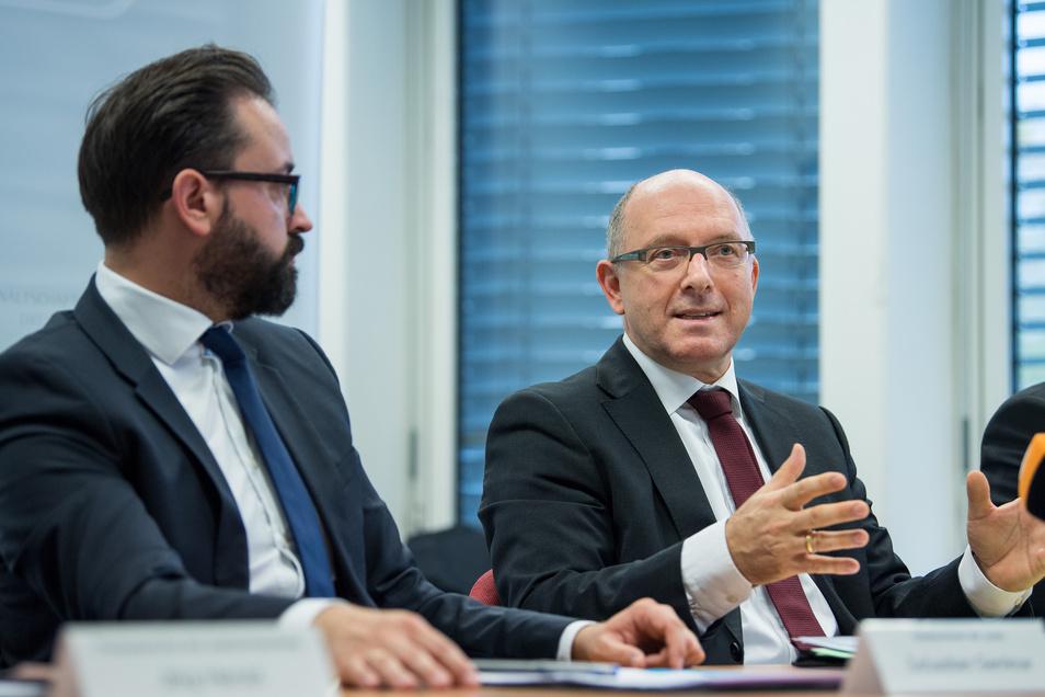 Sachsens Generalstaatsanwalt Hans Strobl (r.) und Sachsens Justizminister Sebastian Gemkow (CDU)
