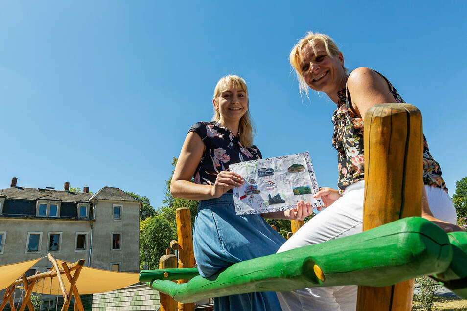Gehen mit den Kindern auf Schatzsuche: Nadine Schirmer vom Elternbeirat und Janine Thümler, stellvertretende Leiterin der Kita am Goetheplatz in Freital.