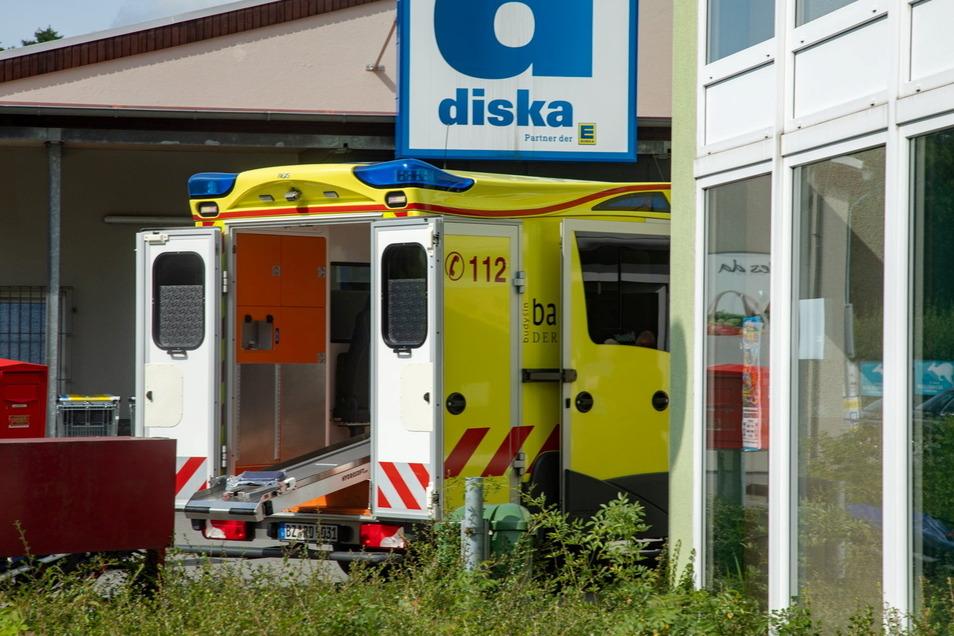 Bei einem Unfall in Bischofswerda wurde ein Rollstuhlfahrer verletzt und musste in ein Krankenhaus gebracht werden.