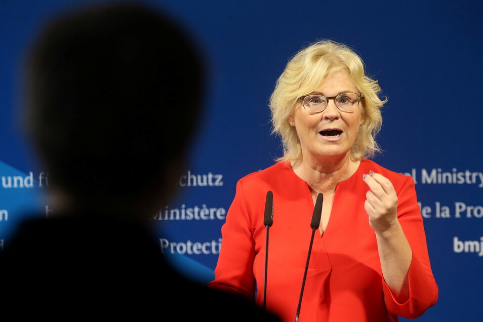 Die Experten im von Christine Lambrecht (SPD) geführten Bundesjustizministerium sehen noch Lücken in der vom Bundesrat beschlossenen Glashütte-Verordnung.