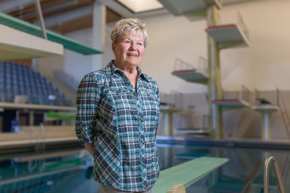 Ingrid Gulbin in der Dresdner Springerhalle, die nach ihren Olympiasiegen gebaut wurde.