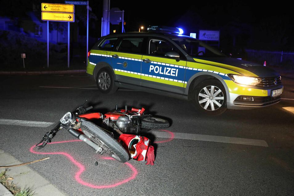 Ein Bild nach dem Unfall in Gersdorf, bei dem der junge Polizist schwer verletzt wurde.