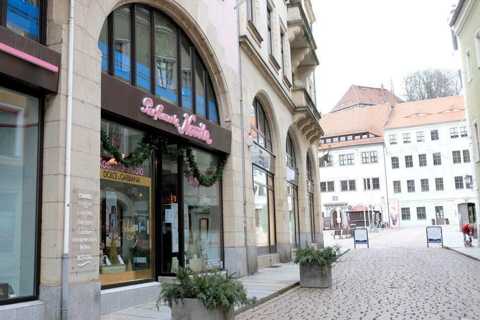 Die Parfümerie Novita bietet ab Montag Click-and-Collect an. Weitere Händler sammelt die Stadt auf ihrer Internetseite.