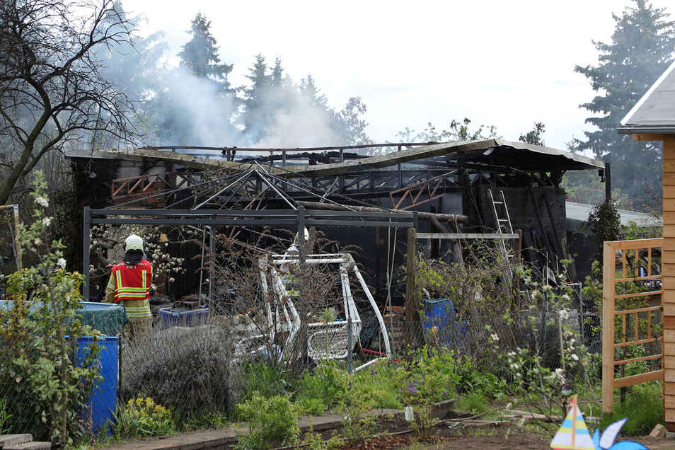 Die Gartenlaube in der Hellersiedlung brannte komplett nieder.