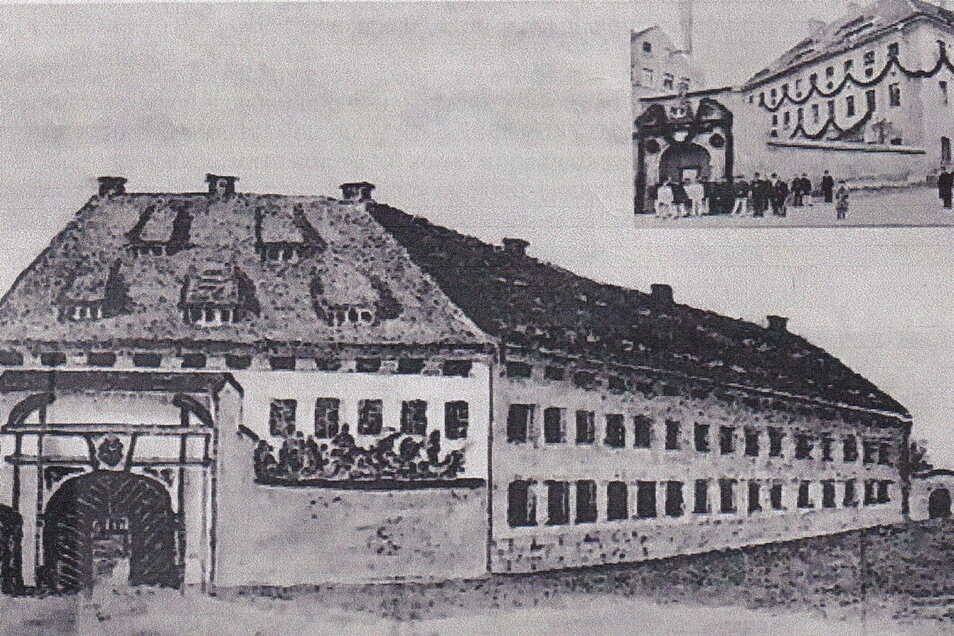 Die erste Zittauer Kaserne an der Pfarrstraße am 23. April 1898 anlässlich des 70. Geburtstags von König Albert von Sachsen. Da Seine Majestät aber bereits 1893 die Stadt besuchte, ist es eher unwahrscheinlich, dass er 1898 zu seinem 70. Geburtstag schon
