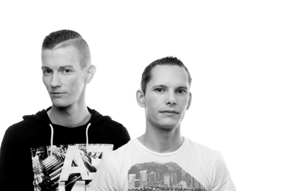 """Thomas Träber holt das bekannte DJ-Doppel """"Gestört aber Geil"""" am 19. September auf die Hutbergbühne Kamenz zum großen Sonntags-Open-Air."""