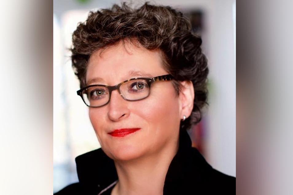 Kerstin Schweiger, Pressesprecherin des DRK-Blutspendedienstes Nord-Ost
