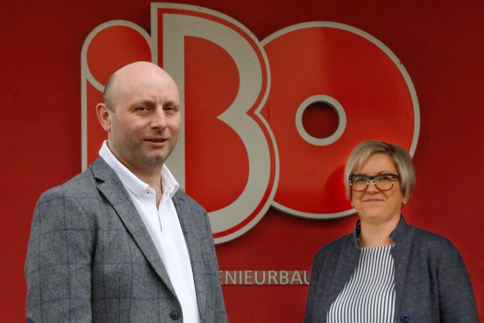 Geschäftsführer Thomas Fröhlich und Prokuristin Juliane Frödrich von IBO aus Neugersdorf freuen sich über den größten Auftrag in der Firmengeschichte.