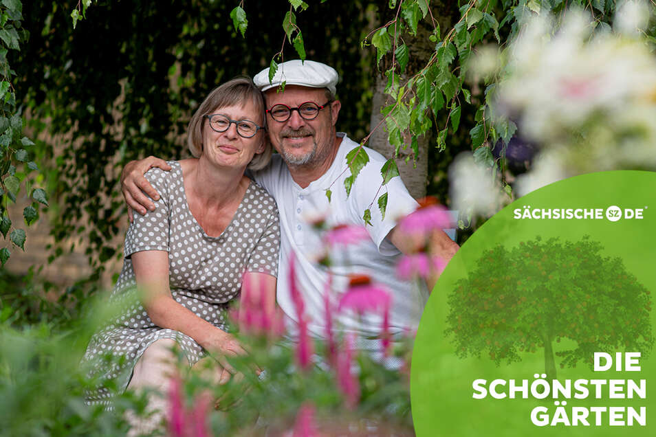 Manuela und Thomas Schöne haben sich auf 1.500 Quadratmetern ein herrliches grünes Refugium mitten in der Kamenzer Altstadt geschaffen. Es erinnert an einen englischen Cottage-Garten.