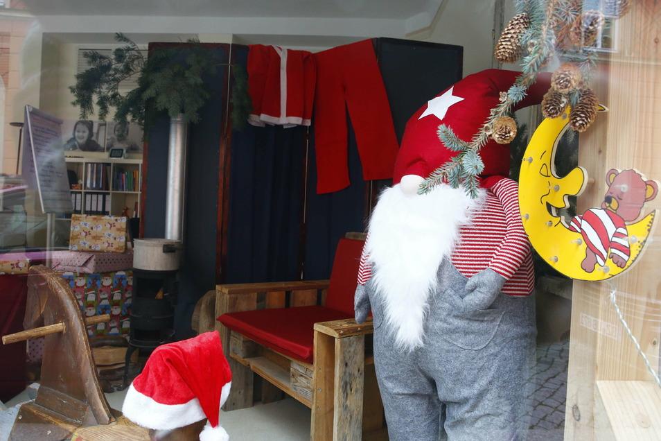 In den Räumen der Stiftung Gemeinsinn an der Zwingerstraße wurde in den letzten Tagen eine gemütliche Weihnachtsmannstube eingerichtet.