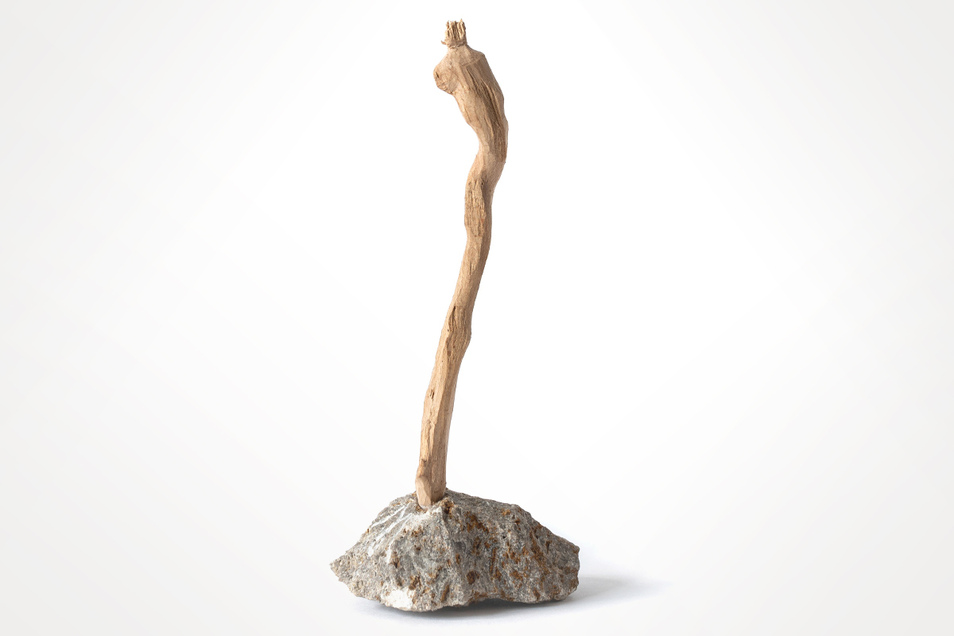 """Die """"Figur Stein und Holz"""" bietet Matthias Jackisch bei der Versteigerung bis 10. September an."""