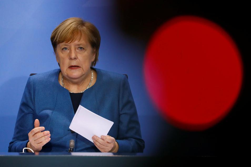 Bundeskanzlerin Angela Merkel (CDU) hat heute mit den Ministerpräsidenten starke Einschränkungen in Deutschland wegen Corona ab November beschlossen.