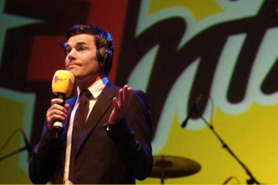 Dreist, witzig, innovativ, radikal: Ab 2001 hatte Ken Jebsen die Show KenFM beim Radiosender Fritz des RBB und wurde schnell zur Kultfigur.