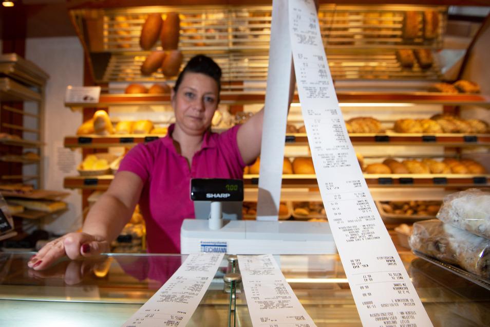 Silke Zimny, Inhaberin der Bäckerei Maaß, ist mit ihrem Antrag auf Befreiung von der Bonpflicht gescheitert. So wie ihr geht es vielen Dresdner Einzelhändlern.