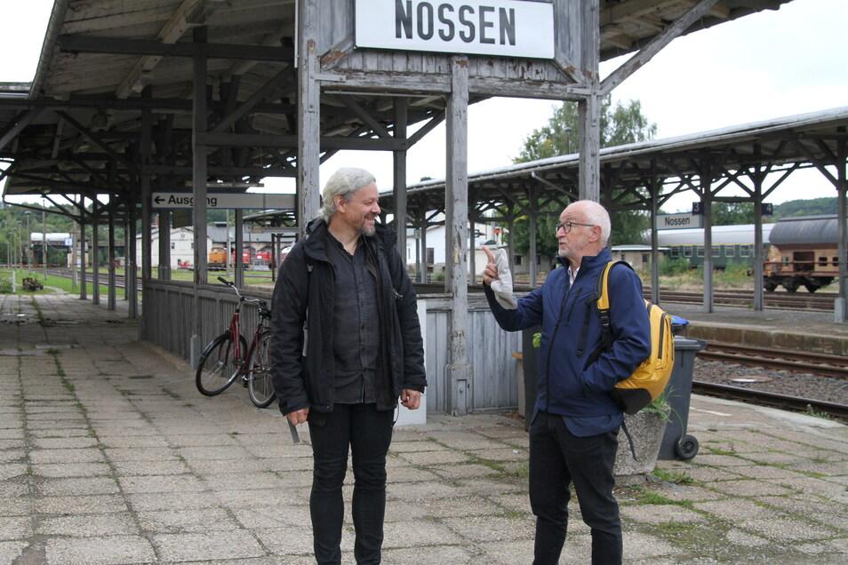 Eckart Sauter, Geschäftsführer NRE, und Gerhard Liebscher, verkehrspolitischer Sprecher der Landtagsfraktion Bündnis 90/Grüne im Gespräch über die Reaktivierung der Bahnlinie Döbeln - Meißen.