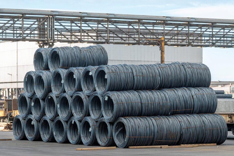 """Ein Riesaer Produkt: Die """"Coil"""" genannten Drahtbündel sollen mit einem neuen Produktionsverfahren größer und schwerer werden."""
