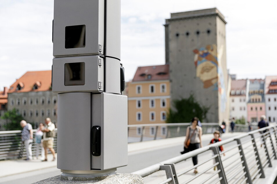 Die Überwachungskameras an der Stadtbrücke in Görlitz sorgen für mehr Sicherheit.