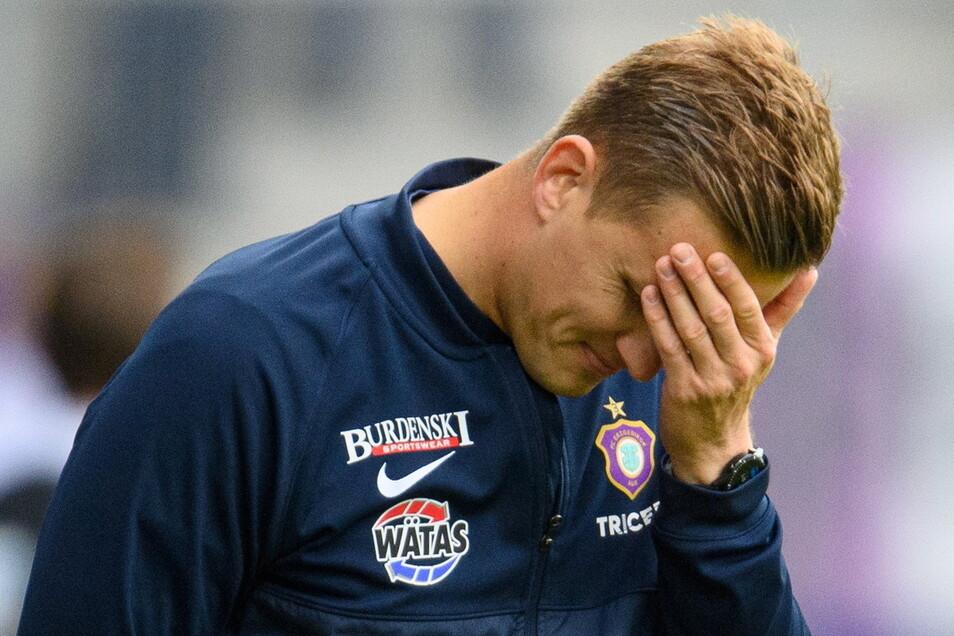 Aues Trainer Aleksey Shpileuski ist enttäuscht über die Leistung seiner Mannschaft.