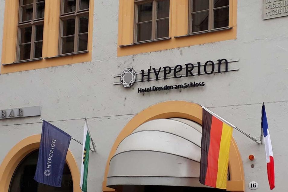 Die Superstars umKylian Mbappé verbringen die Zeit vor dem Spiel im Hyperion in der Dresdner Altstadt.