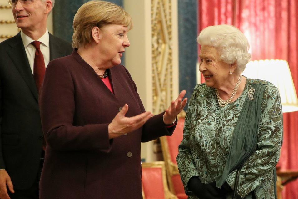 2019 trafen sich Bundeskanzlerin Angela Merkel (CDU) und die britische Königin Elizabeth II. vor Beginn des Nato-Gipfels.