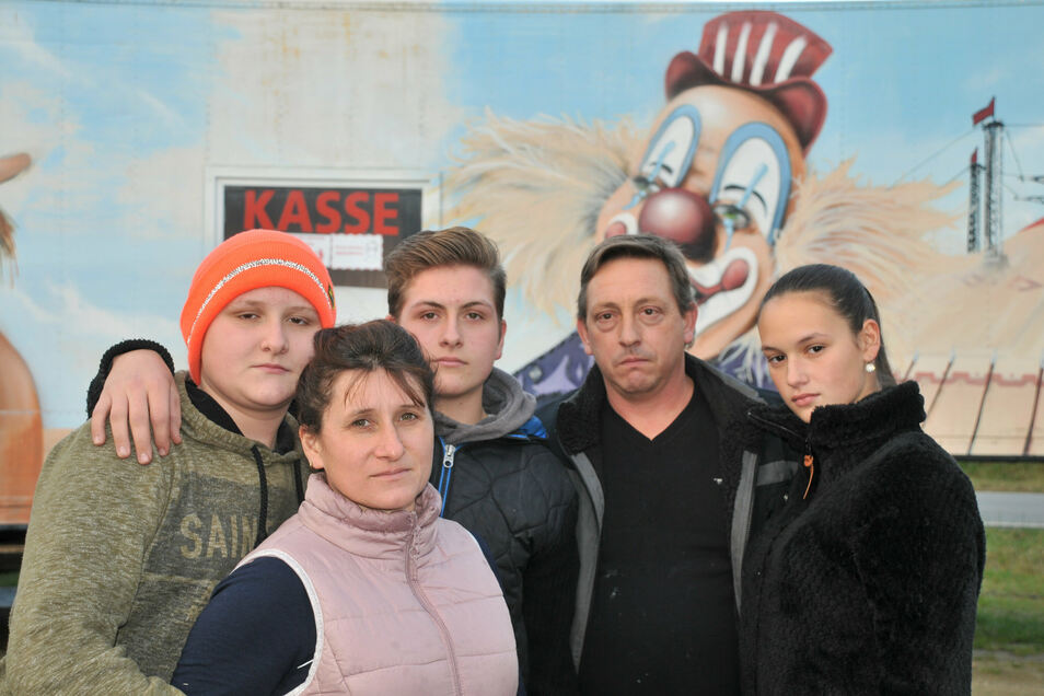 Die Zirkusleute sehen einer ungewissen Zukunft entgegen. Familie Köllner bittet um Futterspenden und ein Winterquartier.