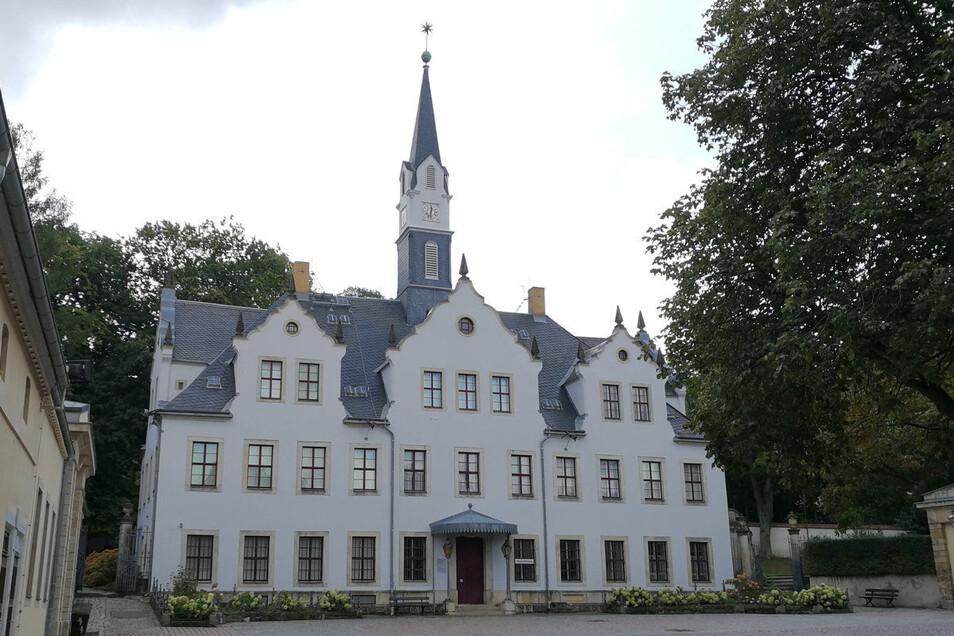 Schloss Burgk könnte als Wahrzeichen Freitals ein Kandidat für die Briefmarke sein.