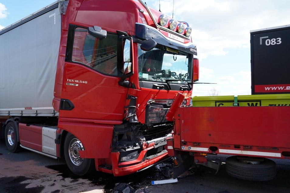 Auf der A 4 bei Bautzen kam es zu einem Auffahrunfall mehrerer Lkw.