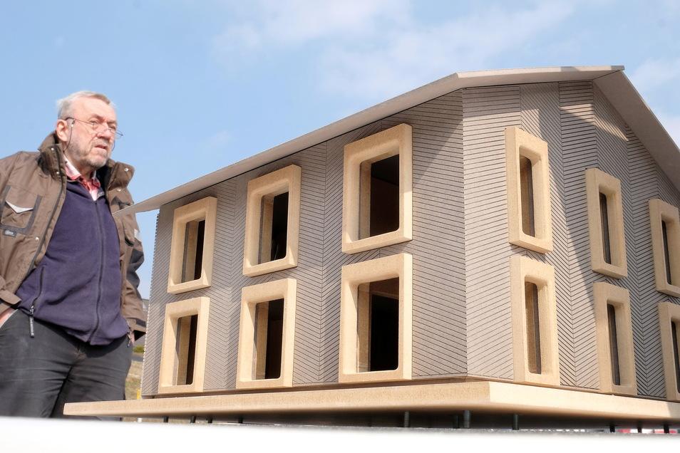 So soll es einmal aussehen: Das erste deutsche Plusenergiehaus aus tragendem Lehmmauerwerk. Bau-Wissenschaftler Wolfram Jäger aus Radebeul und sein Team leisten in Meißen Pionierarbeit.