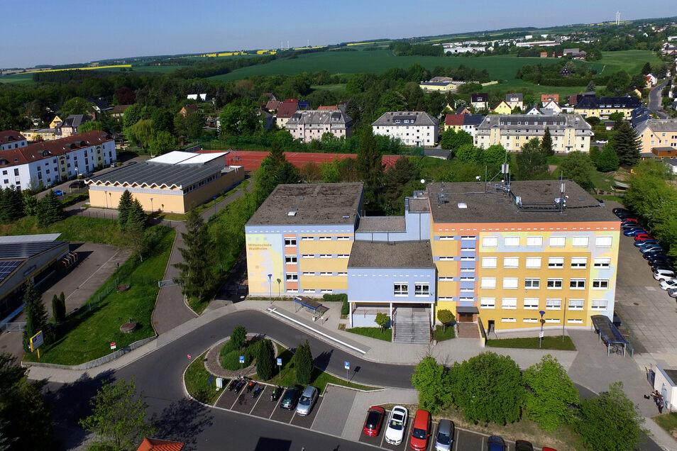 Weil die Kapazitäten für die steigenden Schülerzahlen an der Oberschule nicht mehr ausreichen, bekommt die Oberschule Waldheim einen Anbau.