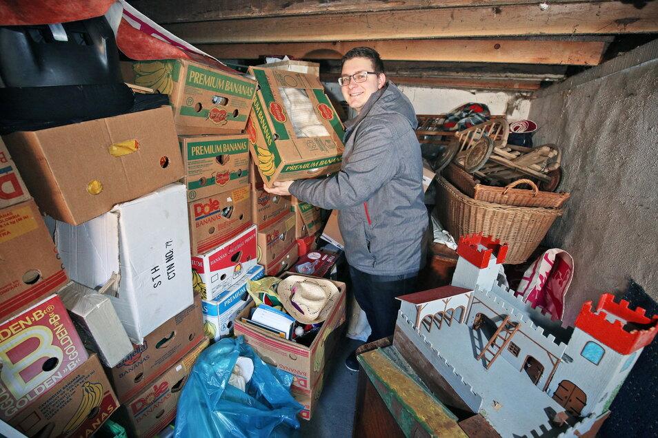 Sven Schöne - hier ein Archivfoto aus 2017 - ist einer der Macher des Spendentrödelmarkts. Coronabedingt war der Markt Anfang des Jahres verschoben worden. Nun steht ein neuer Termin.