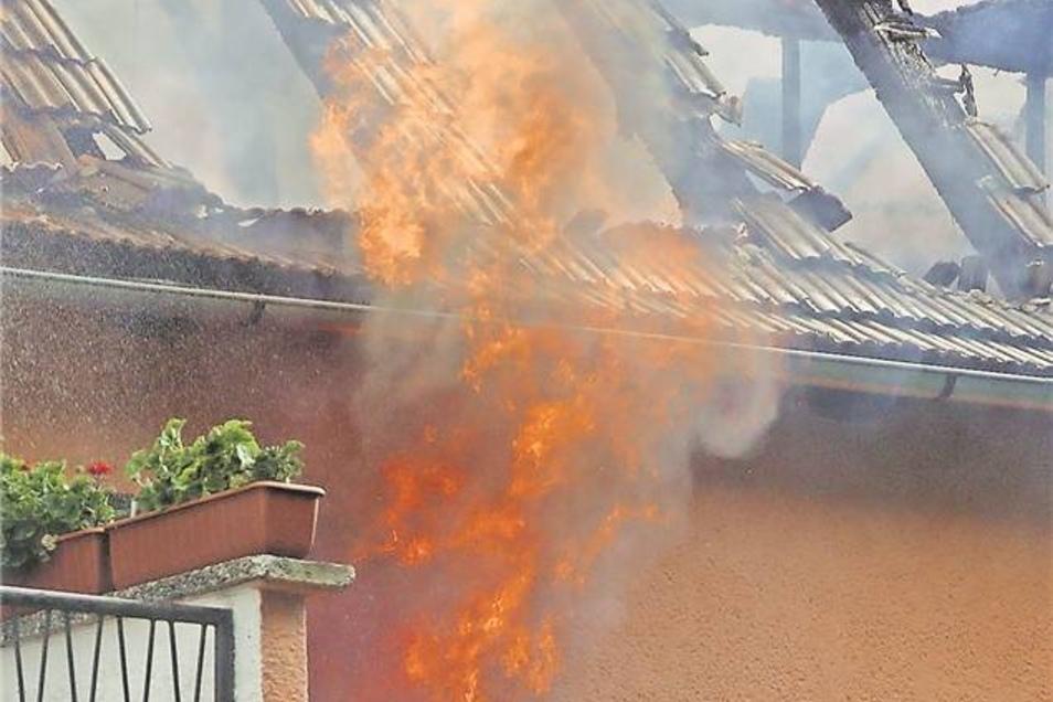 Das Haus brannte völlig aus. Es besteht Einsturzgefahr. Foto: R. Halkasch