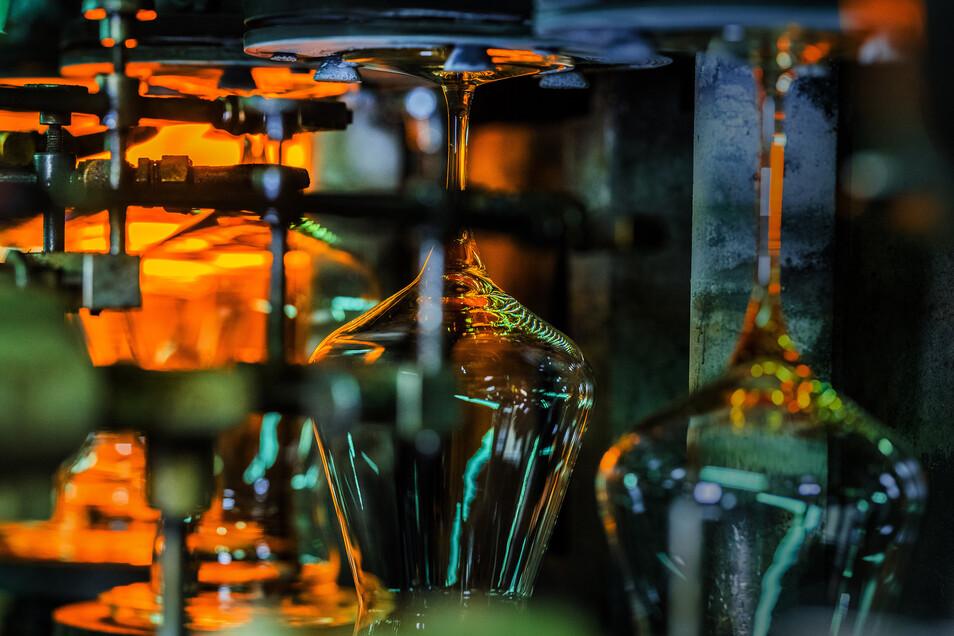Stölzle Glas in der Lausitz produziert 40 Millionen kristalline Trinkgläser pro Jahr.