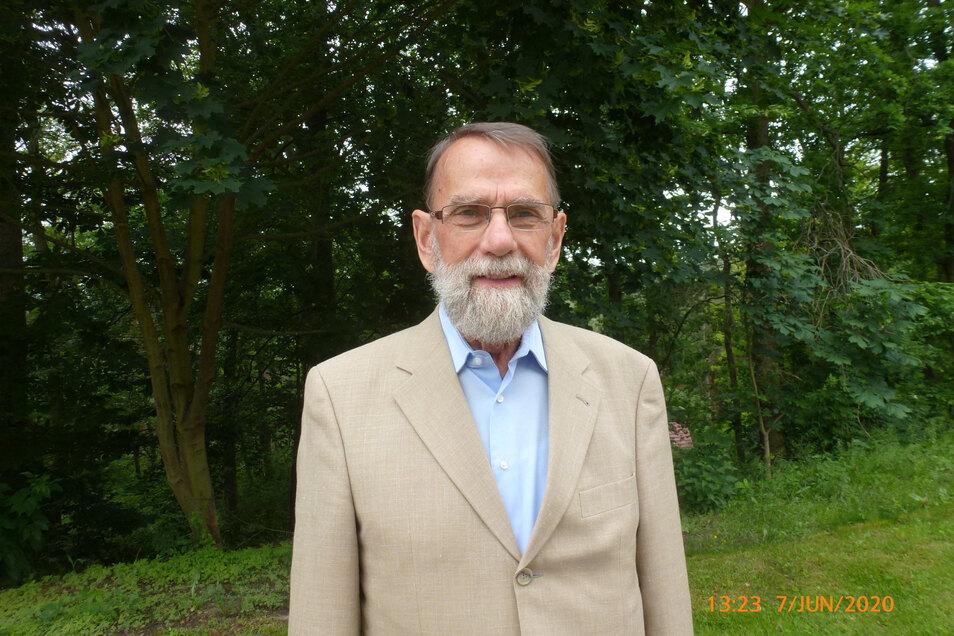 Reiner Heinisch erlitt in Pirna vor einem Jahr einen schweren Herzinfarkt. Bei seiner Rettung war auch die Feuerwehr Pirna beteiligt.