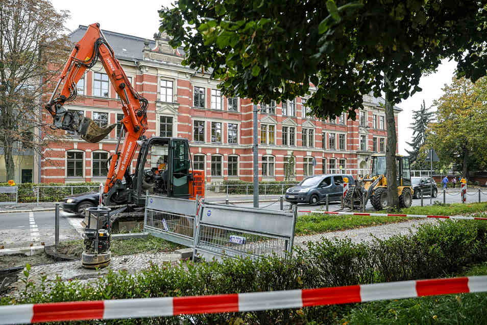 Die Baustelle vor der Zittauer Parkschule.