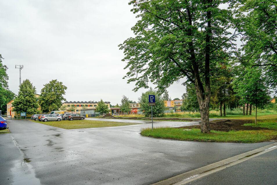 Grundschule, Jugendherberge, Sportverein: Auf dem verkehrsberuhigten Areal zwischen Kamenzer Straße und Kastanienallee in Neschwitz ließe sich ein Bildungszentrum etablieren. Der neue Kindergarten wäre ein weiterer Schritt in diese Richtung.