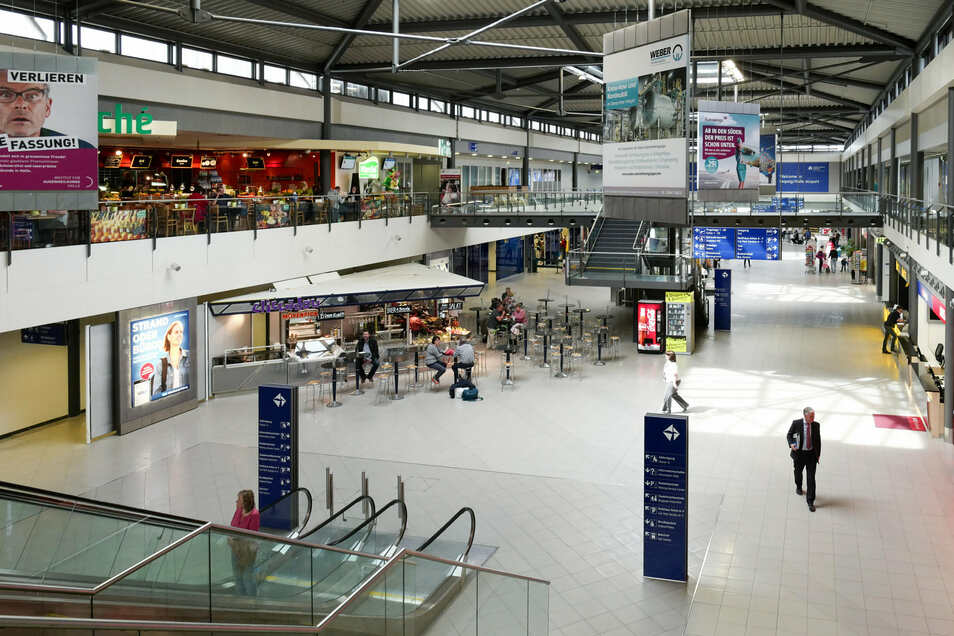 Blick in die Empfangshalle im Terminal B auf dem Flughafen Leipzig/Halle.