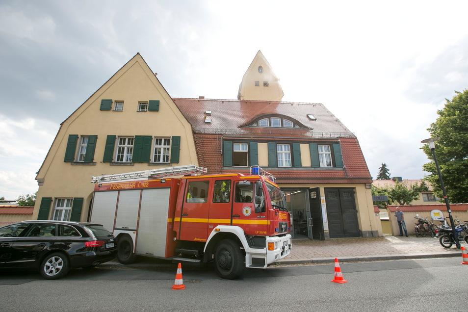 Im Gebäude der Alten Feuerwache Loschwitz wird jetzt an drei Tagen der Woche getestet.
