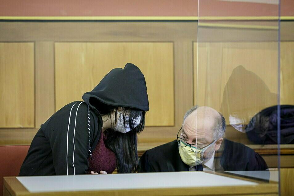 Die Angeklagte beim Start der ersten Hauptverhandlung im Landgericht Görlitz im November.