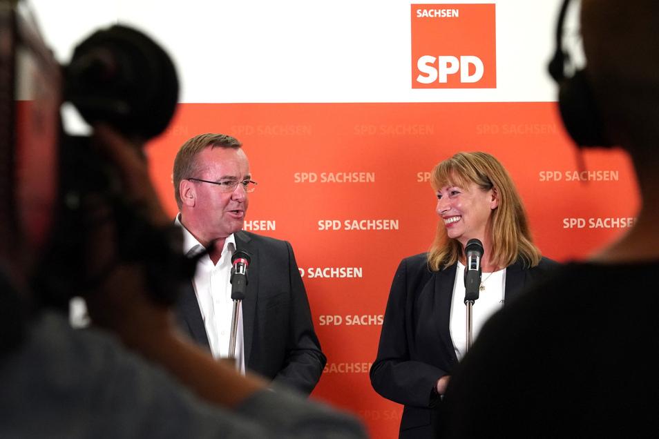 Petra Köpping (SPD), Sächsische Staatsministerin für Gleichstellung und Integration, und Boris Pistorius (SPD), Minister für Inneres und Sport von Niedersachsen, bewerben sich für den SPD-Vorsitz.