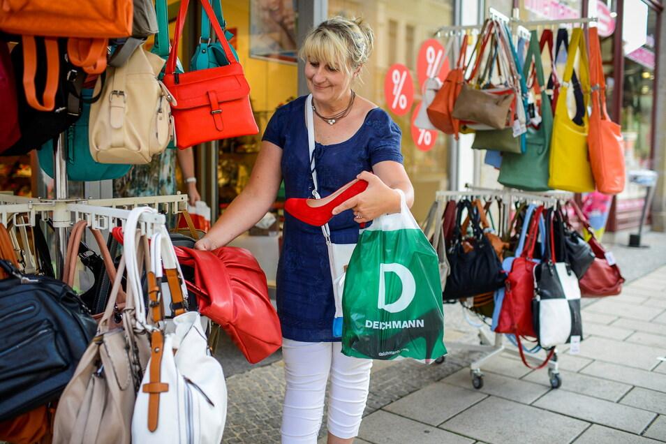"""In Ruhe stöbern und shoppen, das geht an zwei Samstagen im Juli. Unter dem Motto """"Schöner Samstag"""" laden Görlitzer Händler zum Shoppen bis 18 Uhr ein."""