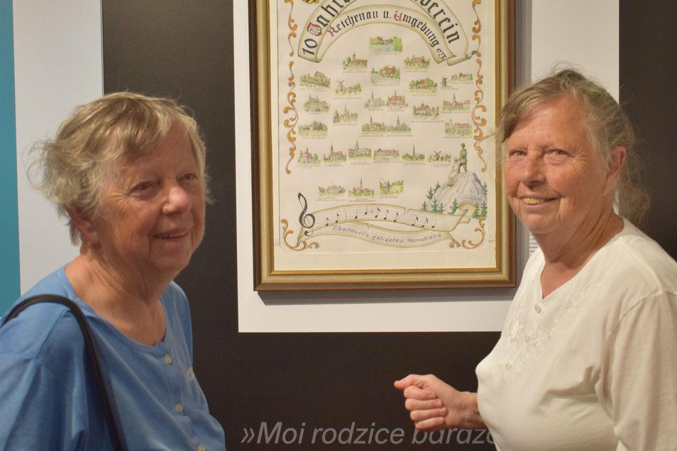 Die Zwillinge Christa Klinger (r.) und Erika Schmidt.