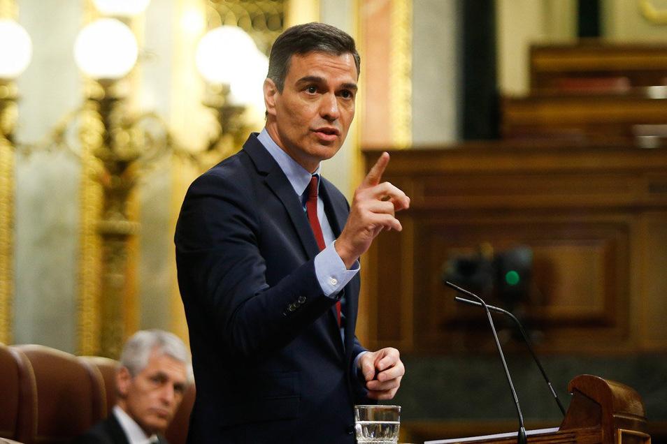Pedro Sanchez, Ministerpräsident von Spanien, verteidigt im Parlament die Verlängerung des Notstands.