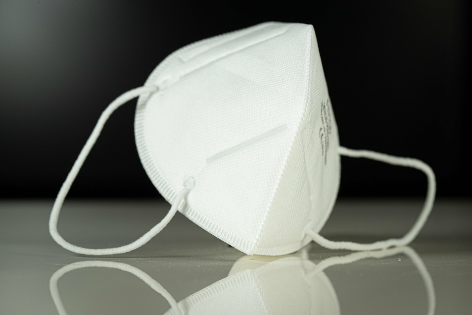 Atemschutzmasken sind zur Bückware geworden. Das ruft auch Wucherer und Betrüger auf den Plan. Im sächsischen Sozialministerium ist nur jedes 20. Angebot seriös.